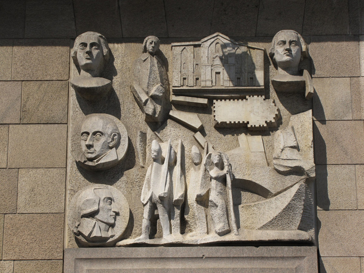 Reliefs by sculptor Arturo Martini