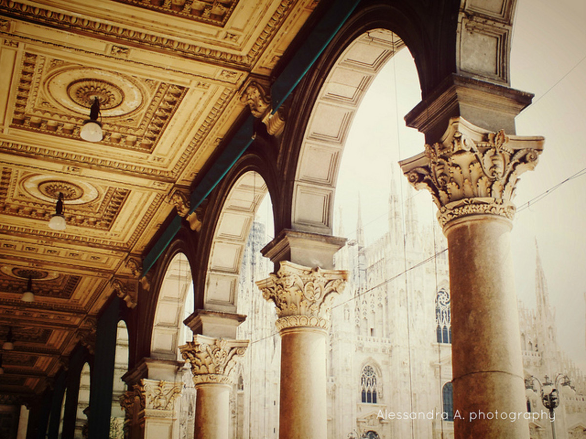 Colonnade with Corinthian pillars at the Palazzo dei Portici Settentrionali