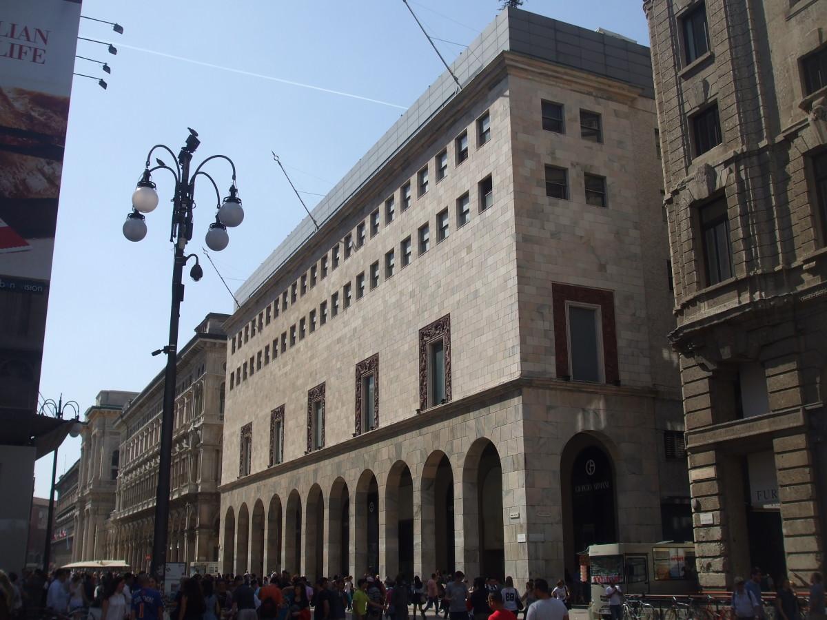 Palazzo da Rinascente in Corso Vittorio Emmanuelle II
