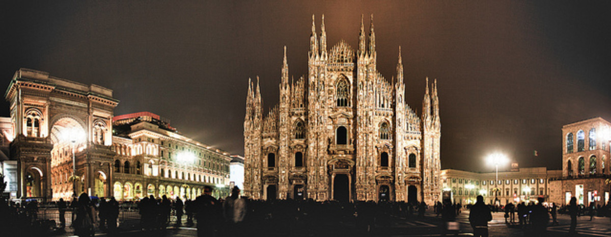 Piazza Duomo at night