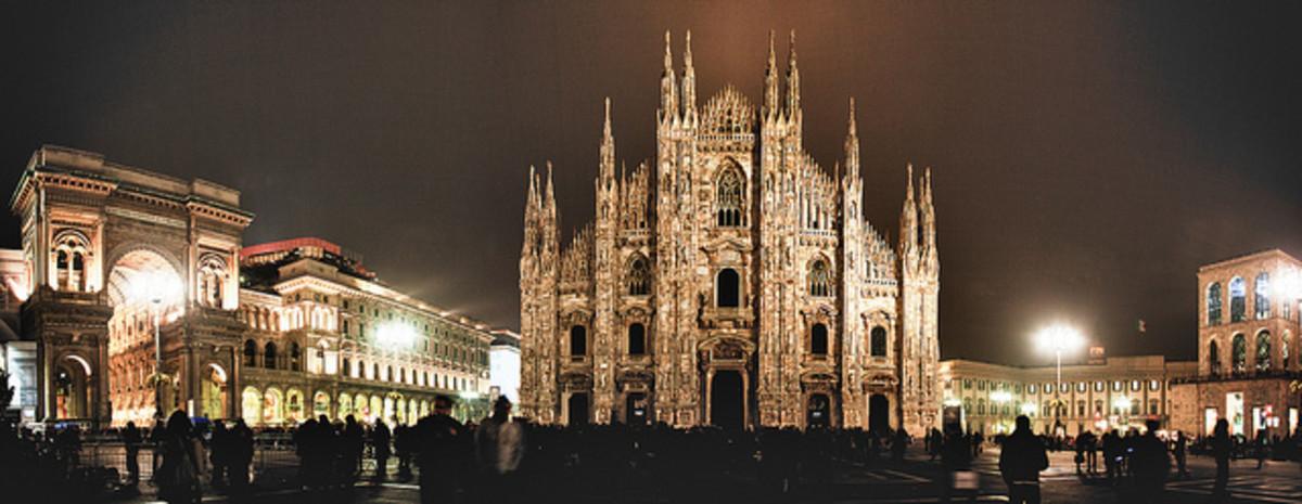 Piazza Duomo at night