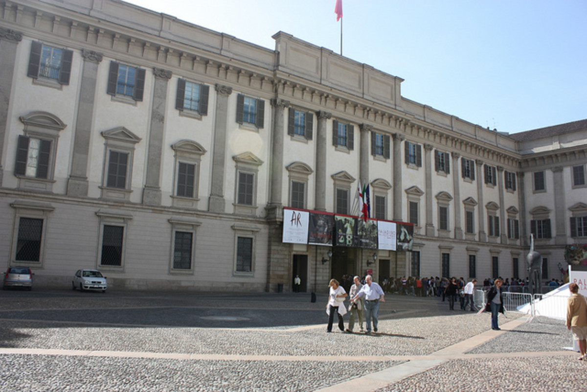 Palazzo Reale and square on the southside