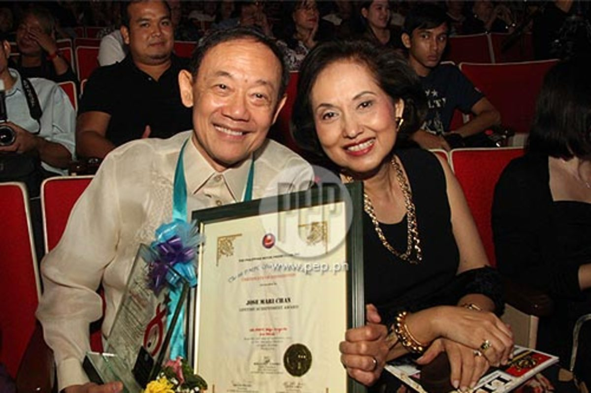 Joe Mari with his devoted wife Mary Ann at the 4th Star Awards for Music of the Philippine Movie Press Club (PMPC) held in September 2012.