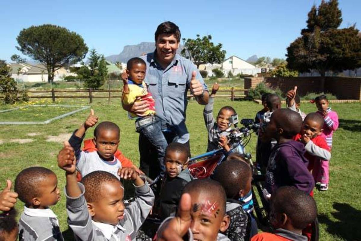 Riaan Manser helps the hunger children from South Africa