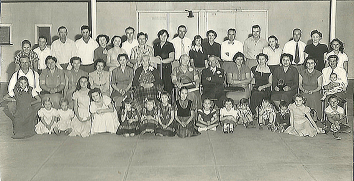 A Bollinger Family Reunion in Chowchilla, California, 1952.