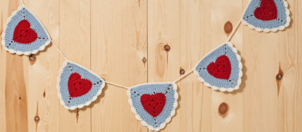 Granny Heart Triangle Bunting