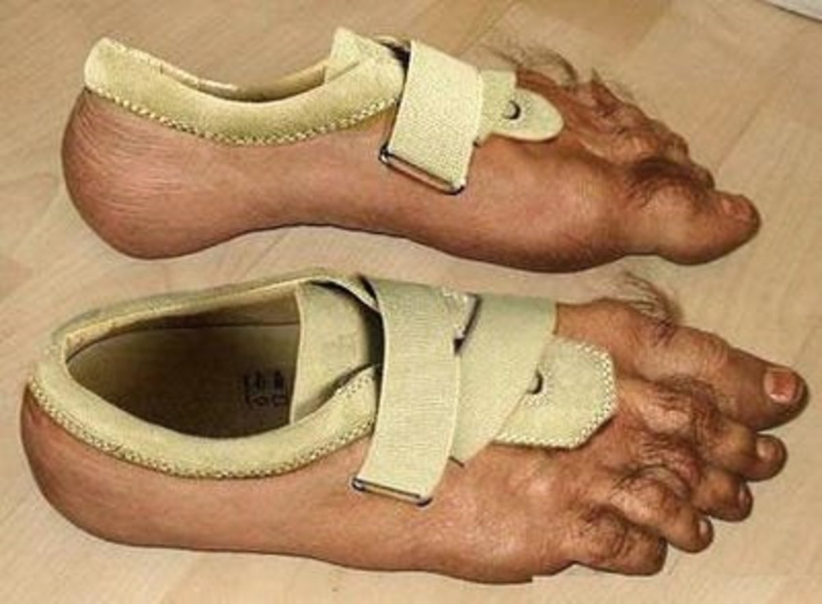 Plaster mud on the straps and on the ankles for a more seamless look.