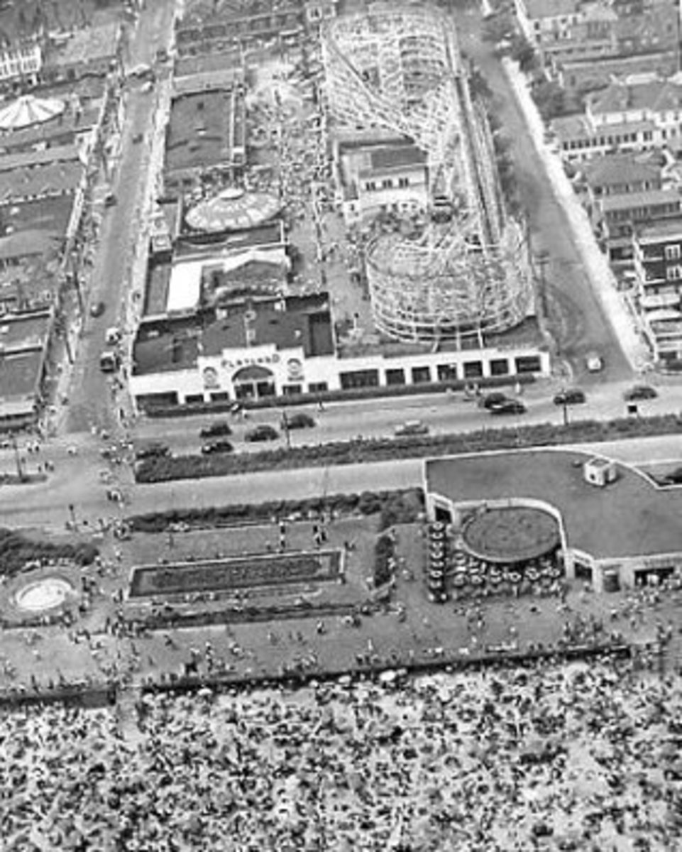 This birdseye view of Rockaway Playland shows Shorefront Parkway and how it seperated the amusement park from the boardwalk. Notice the distance now between Playland and the beach. Amusement parks with not as much property were completely demolished.