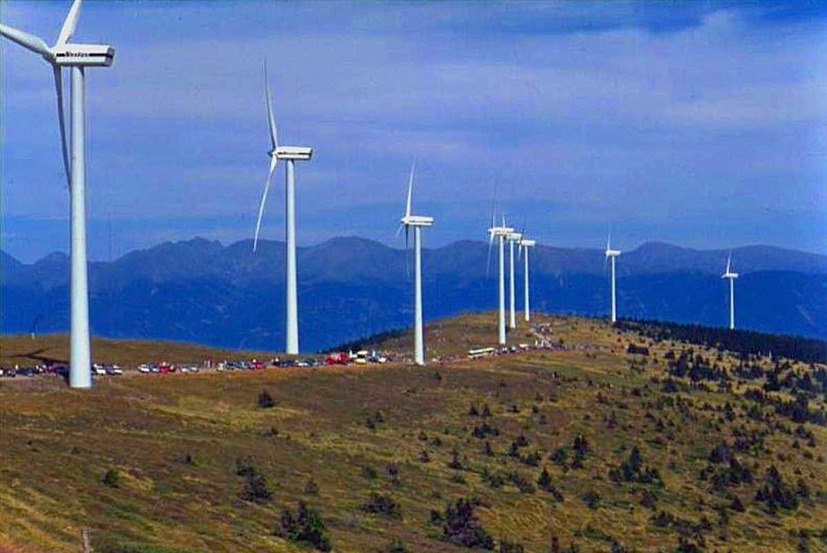 An Austrian wind park.  Photo by Kwerdenker, courtesy Wikimedia Commons.