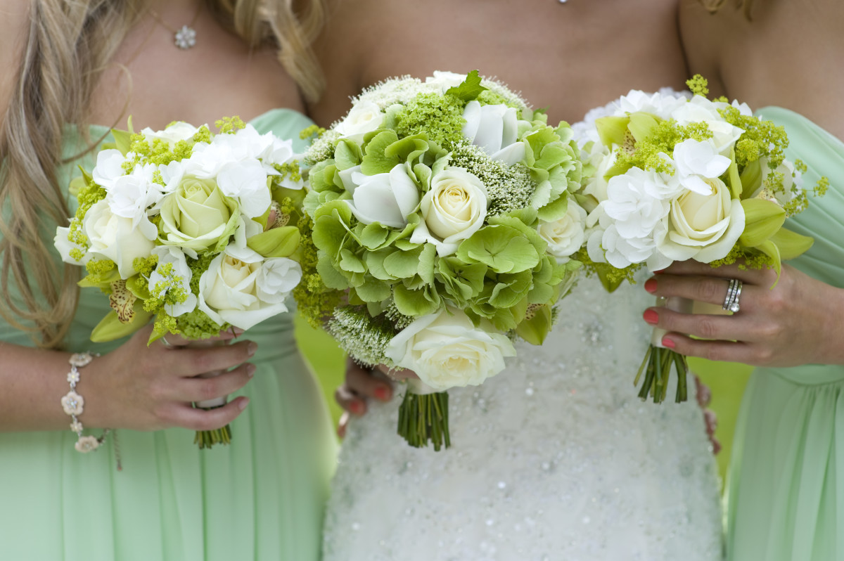 Bridesmaids in green!