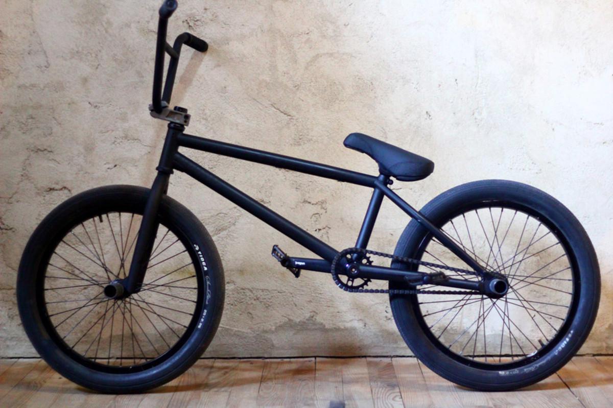 street-trials-riding