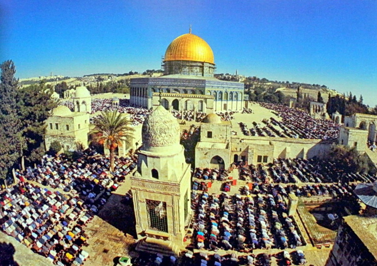 Temple mount on a Friday prayer
