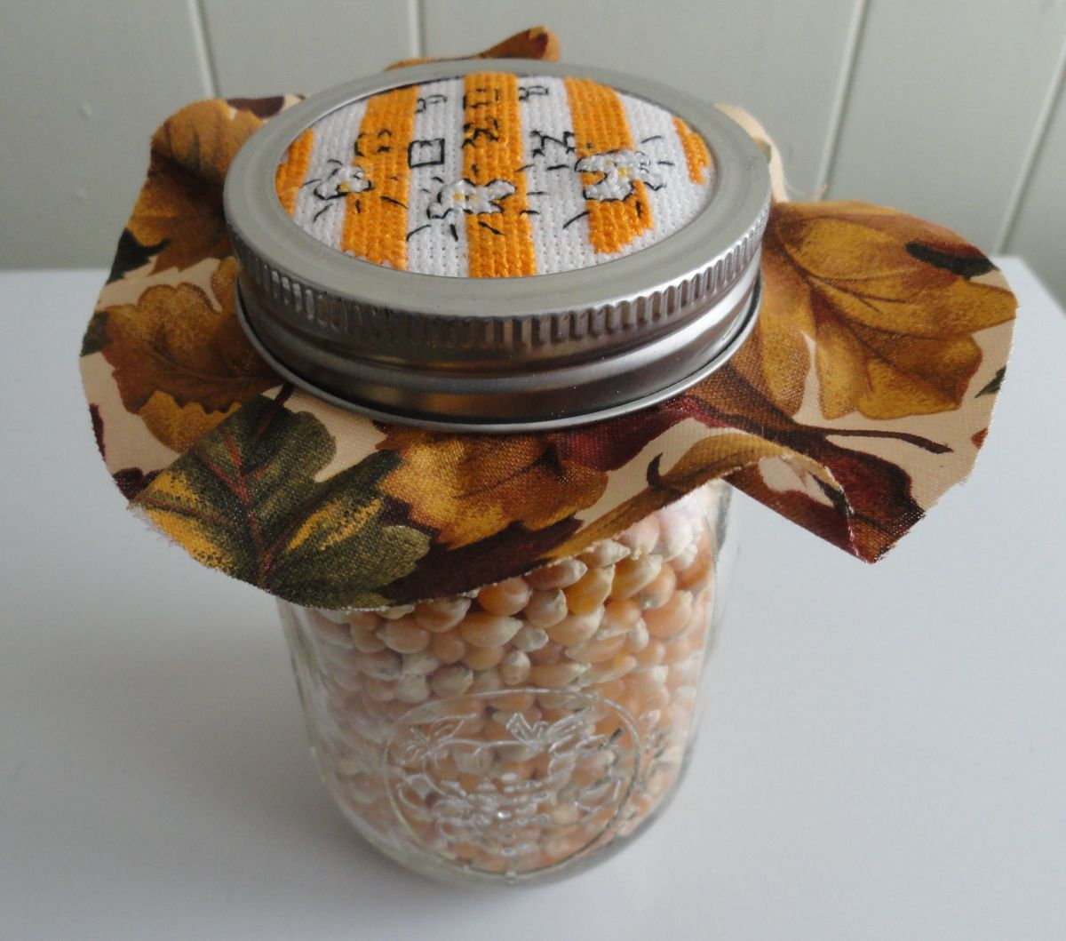 popcorn-jar-lid-cross-stitch