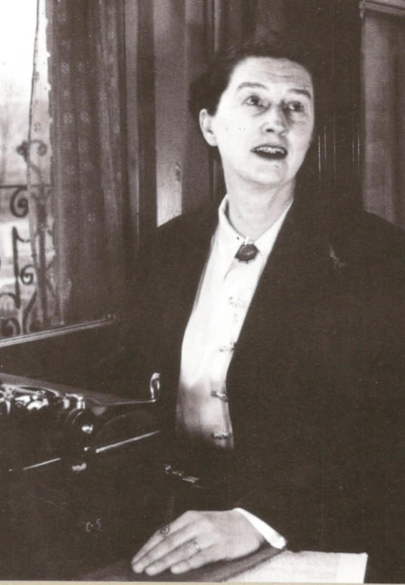 Ms. Louisa Stead