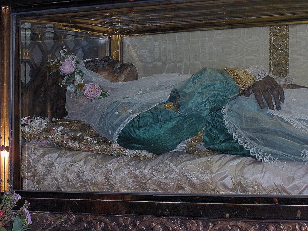 The incorrupt remains of St Zita in Lucca, Italy