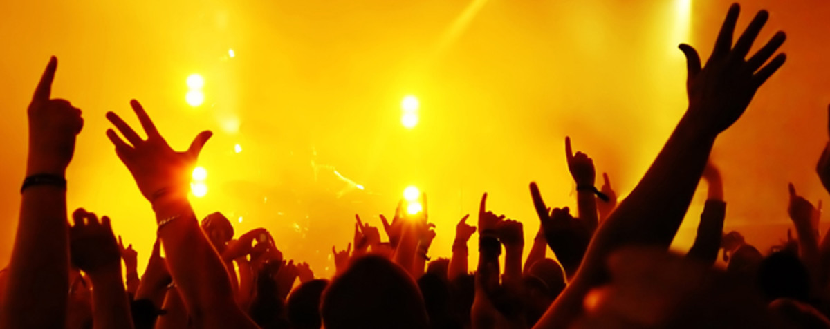 9-modern-praise-and-worship-songs-to-get-through-hard-challenging-times