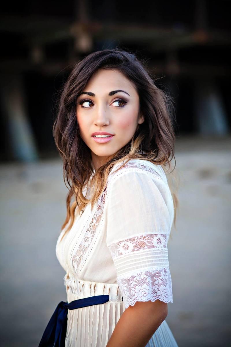 Female Youtuber Alex G