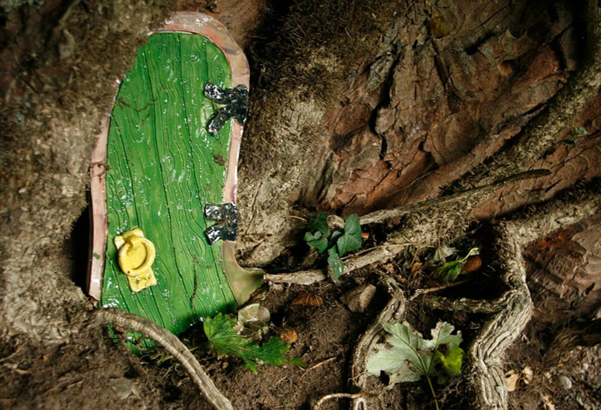Another fairy door at Fairy Row, by Alan Cleaver, used with permission.