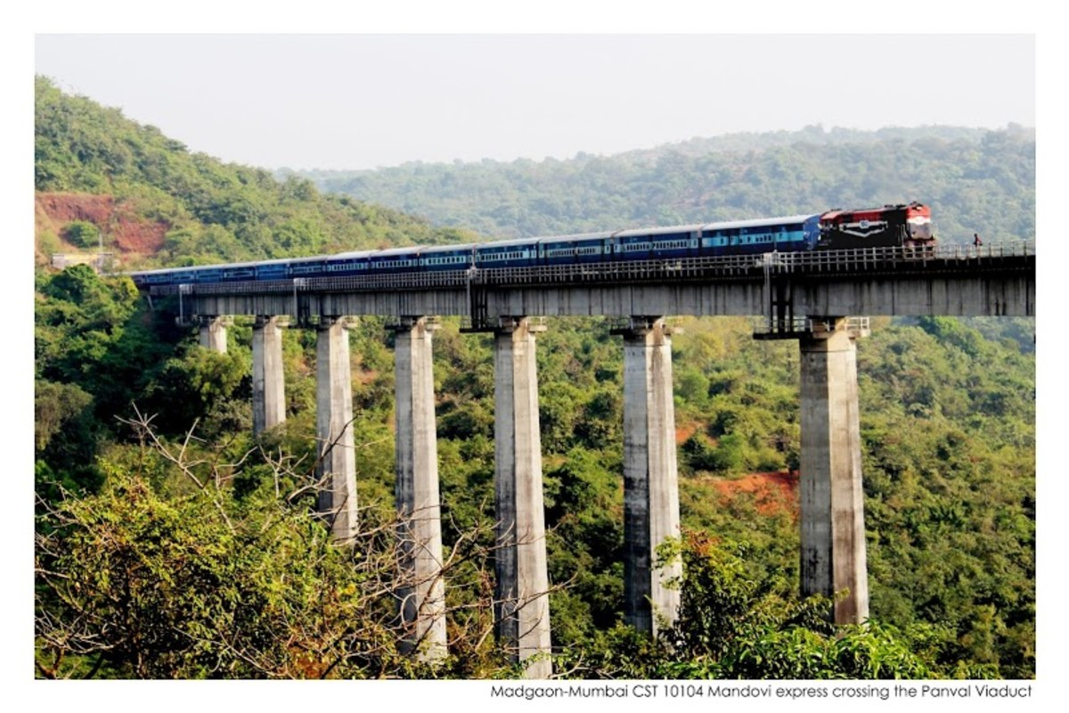 Madgao-Mumbai CST Express crossing the Panval Viaduct.