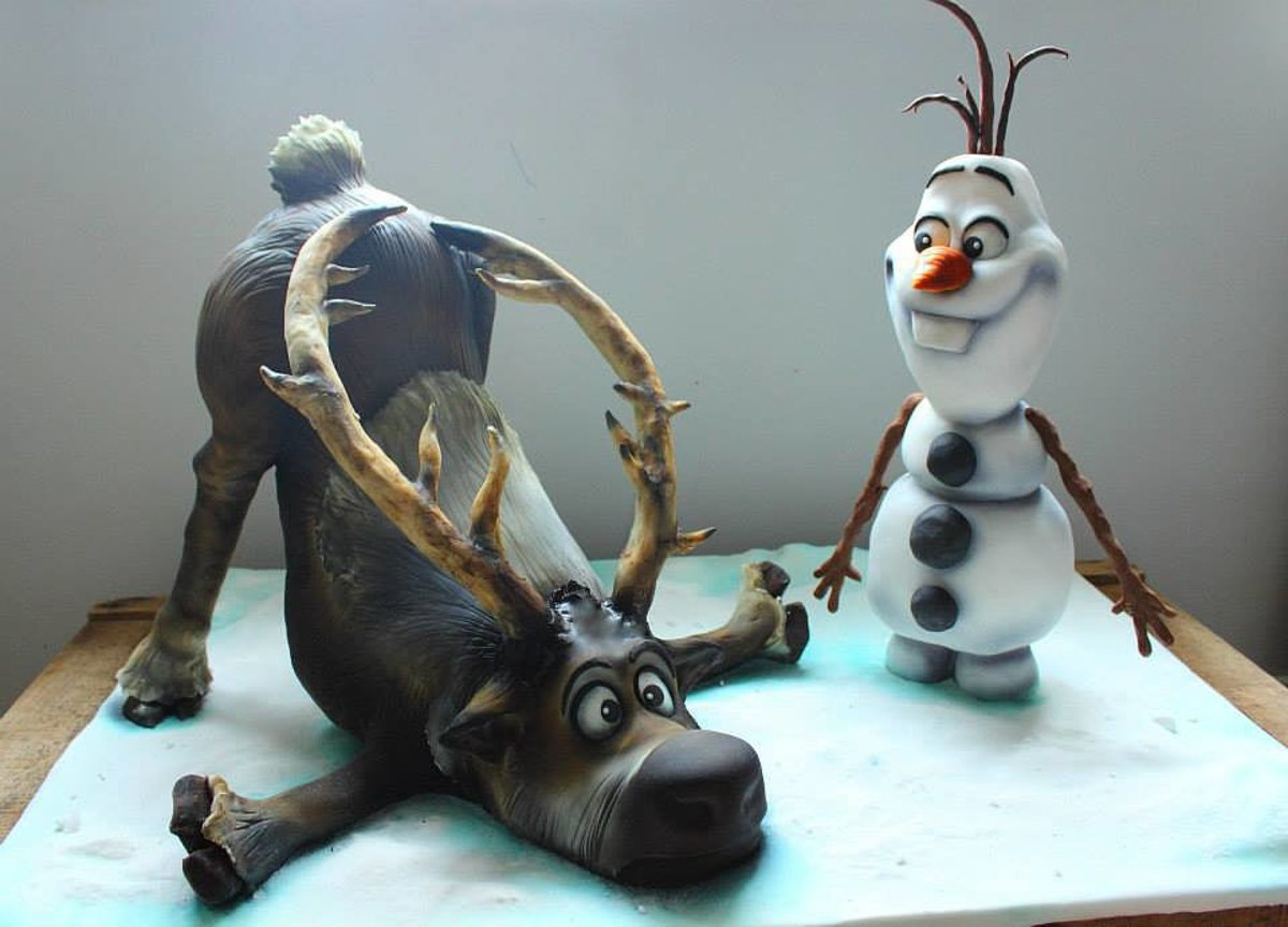 Olaf and Sven birthday cake