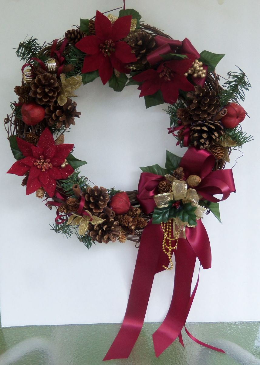 Finished Christmas Pinecone Wreath