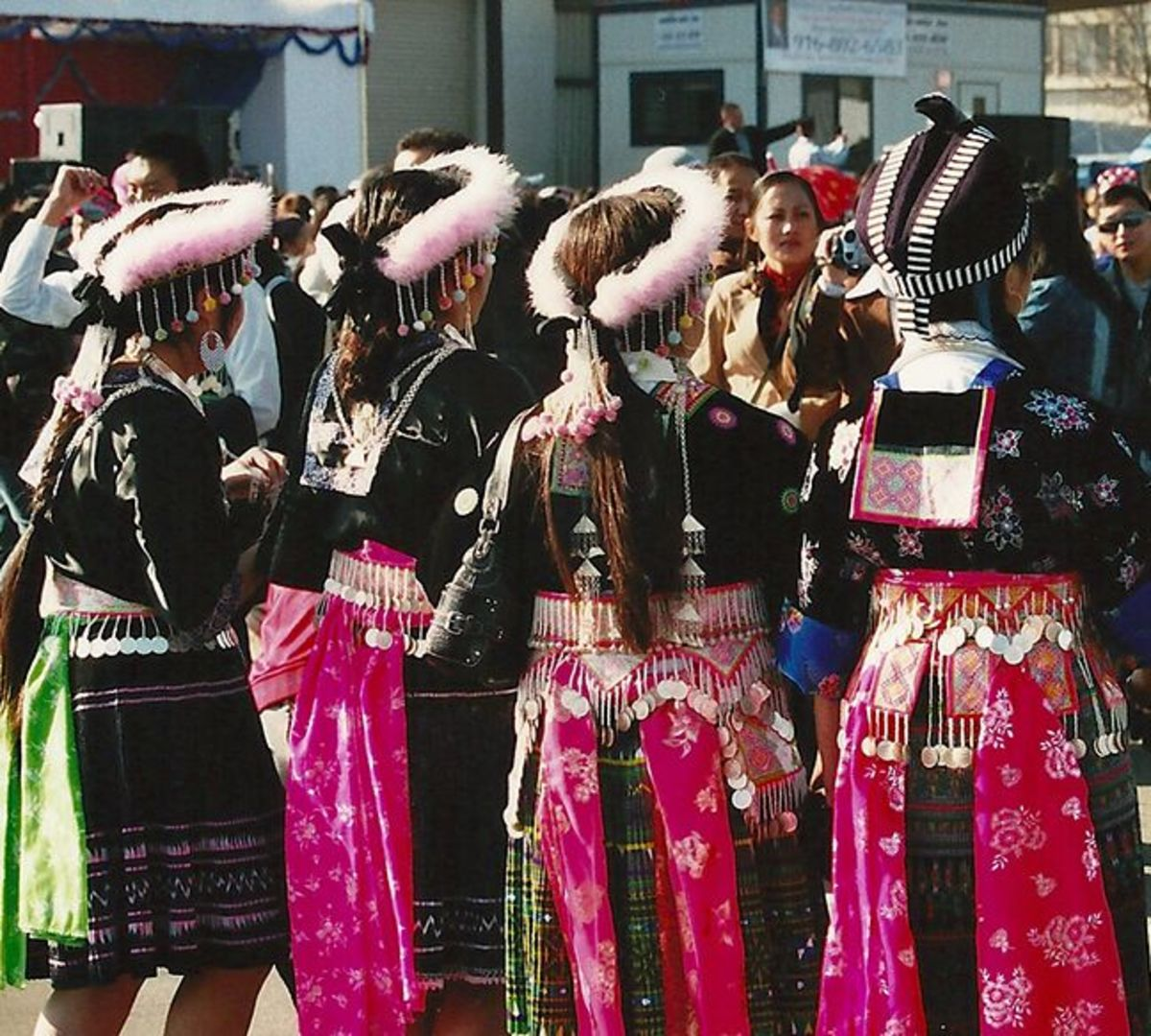 hmong-story-quilts
