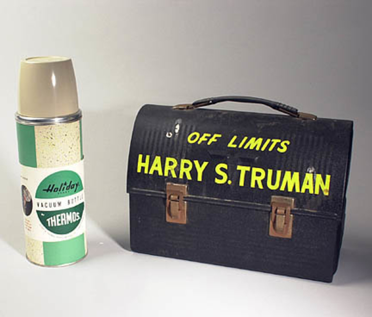 The lunch box and vacuum bottle owned by Harry S. Truman.