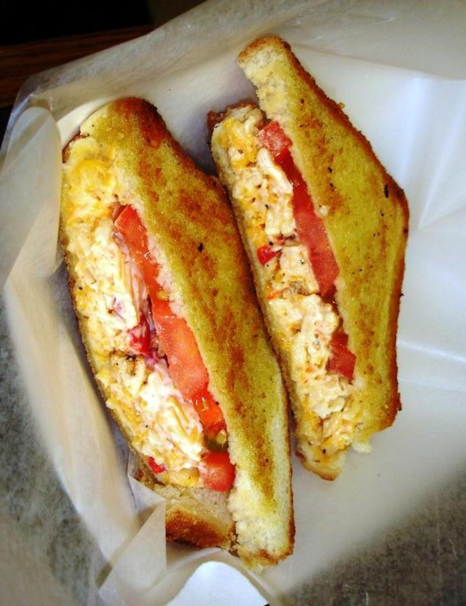 Grilled Pimento Cheese With Tomatoes