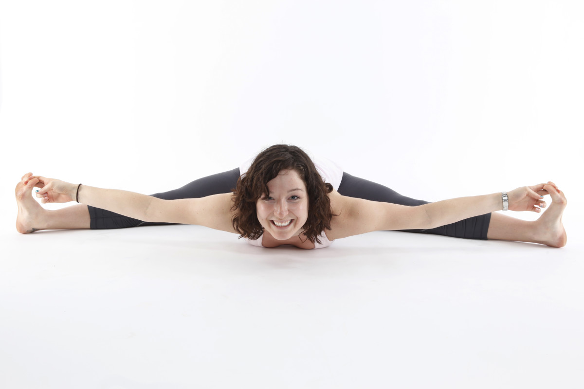 Learn how to do the splits like this by following the 10 steps.