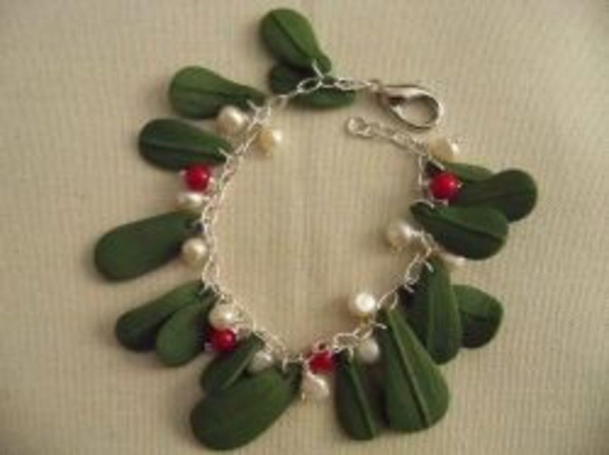 Polymer clay jewelry - Christmas Mistletoe Bracelet