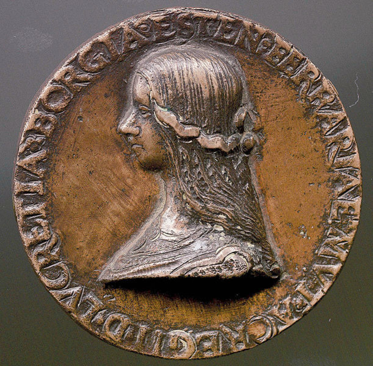 Bronze medal with the bust of Lucrezia Borgia, probably coined when Alfonso d'Este acquired the title of Duke, at the death of the father Ercole (1505).