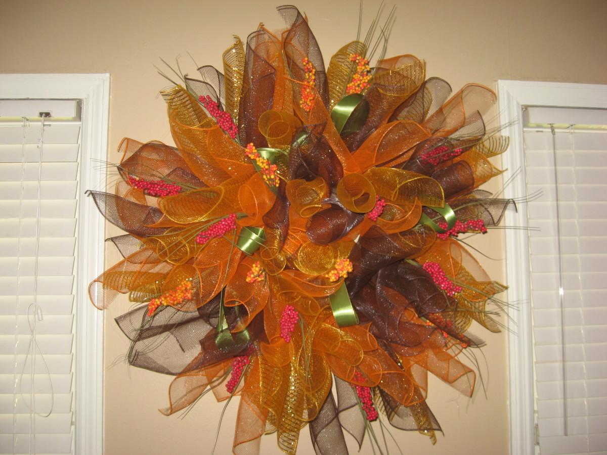 Mesh wreath for fall