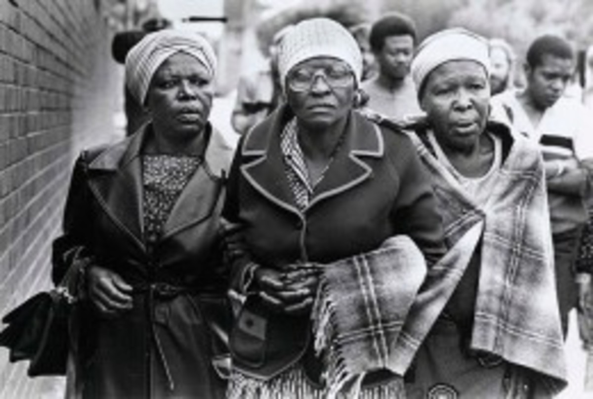 4/22 Mamike Moloise arrives at a vigil outside Pretoria Central prison shortly before the execution, by hanging, of her son Benjamin Moloise.
