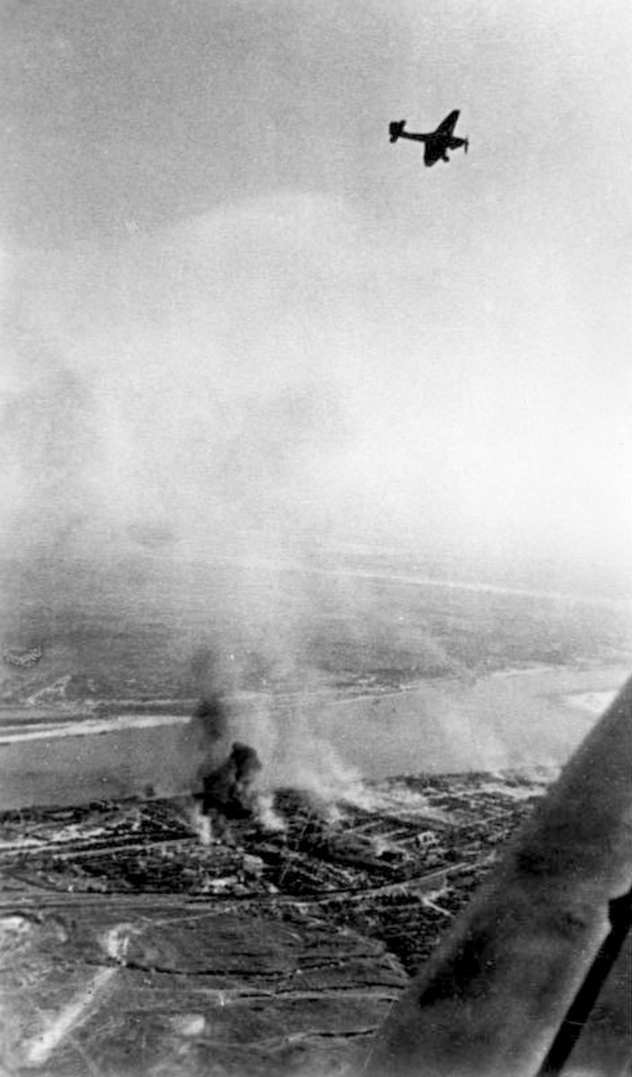 Stuka in action over the city of Stalingrad, German generals used  them as flying artillery.