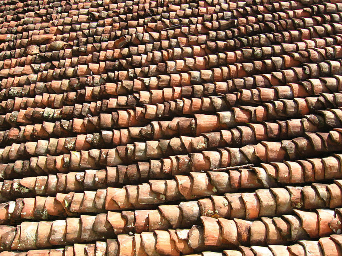 Its quite common to have Roof tiles as ceiling in village in Kumbakonam