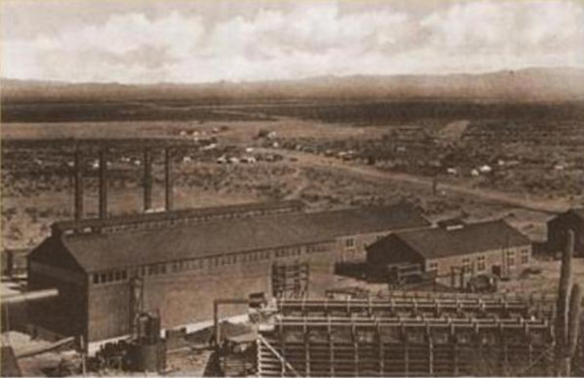 The Sasco Power House with the town in the background (1921).