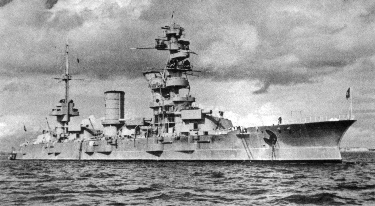 The Marat was sunk September 23,1941 by a direct hit from Rudel's stuka using a 2200lb bomb.