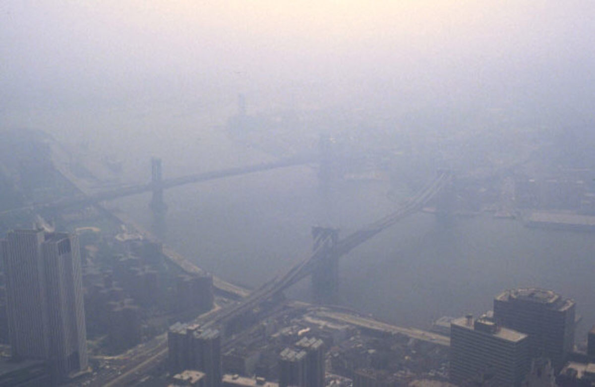 NYC smog, 1988, seen from the World Trade Center.  Image courtesy Wikimedia Commons.