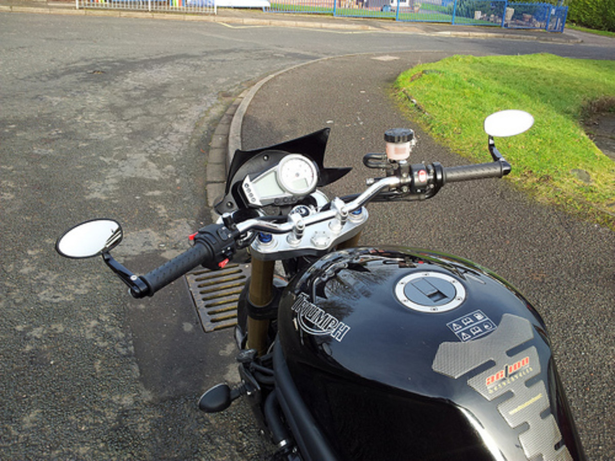 Bar end mirrors on a Triumph Speed Triple