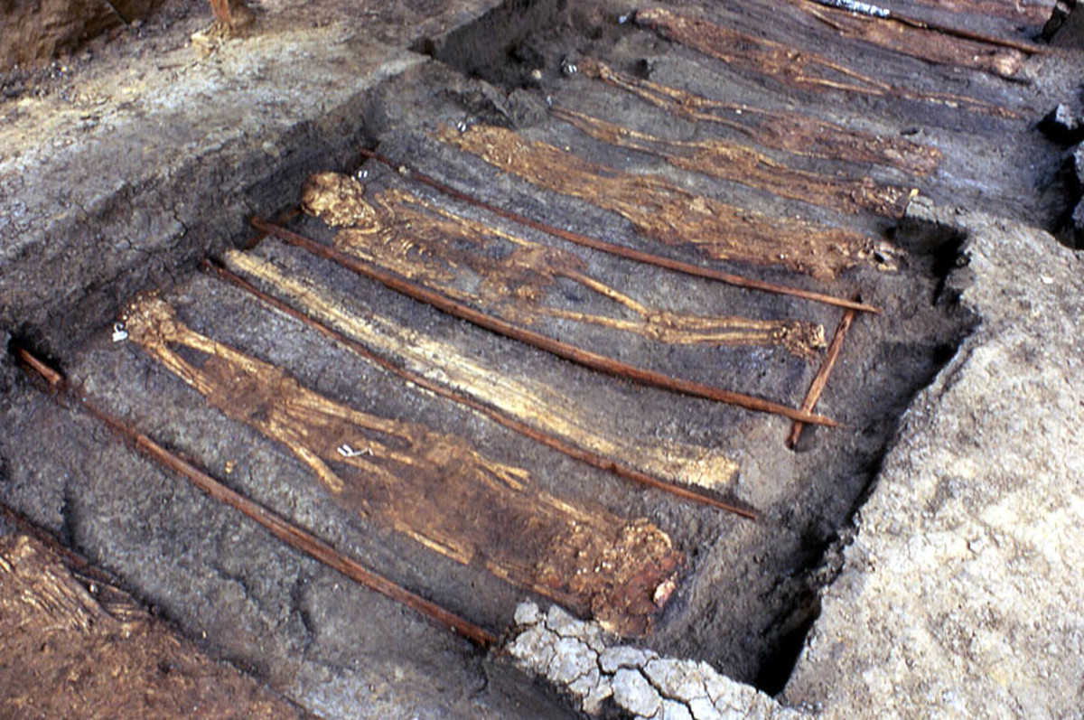 Burials found near Mound 72