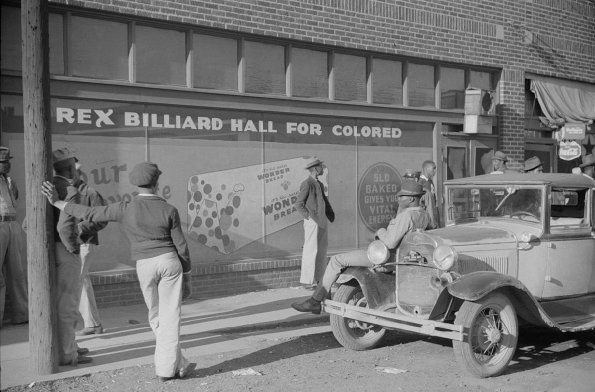 This 1939 photo of Rex Billiard Hall for Colored portrays the culture of early 1900s Beale Street, which is reenacted in the docudrama Take Me Back to Beale.