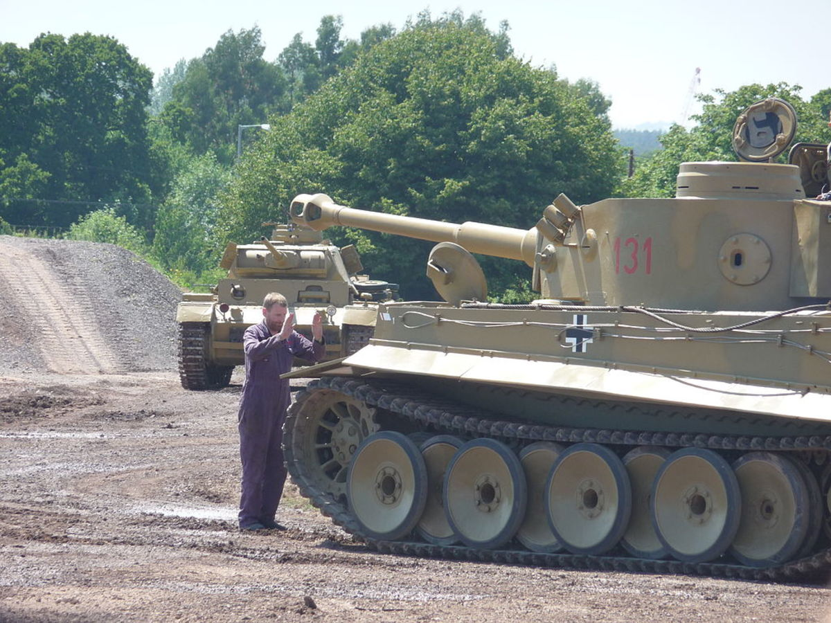Photograph by Simon Q, showing Tiger 131 at the Tankfest Festival of 2009.