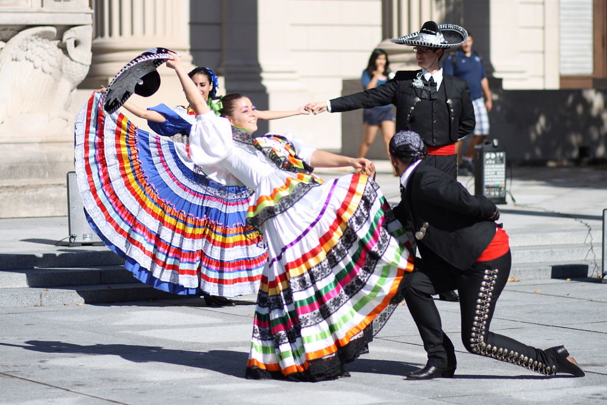 The Mexican dance El Jarabe Tapatio CC BY-SA 3.0