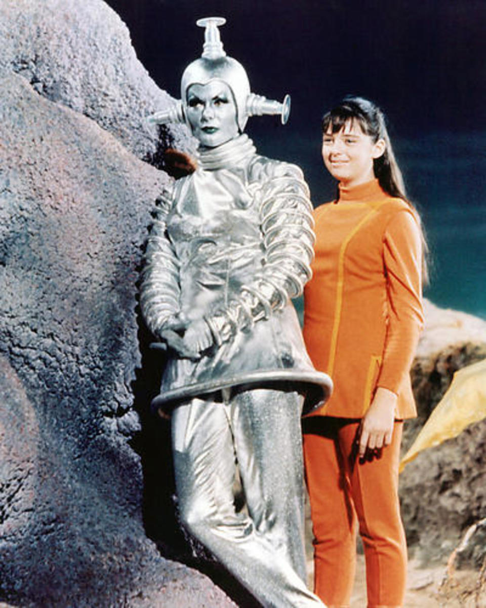 Lost in Space with Dee Harford as Verda, and Angela Cartright as  Penny Robinson.