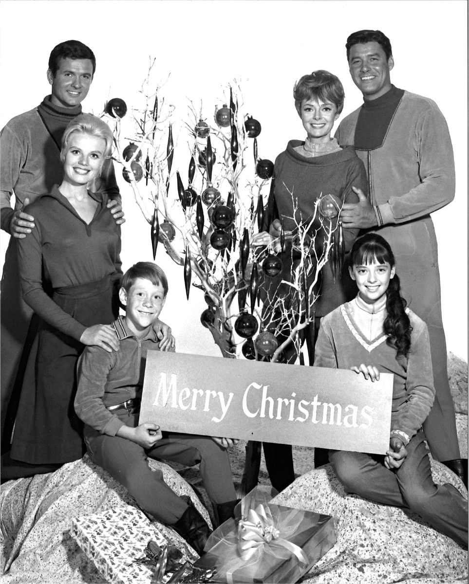 First Season of Lost in Space, Christmas Holiday Photo of the Robinson family, with Major Don West