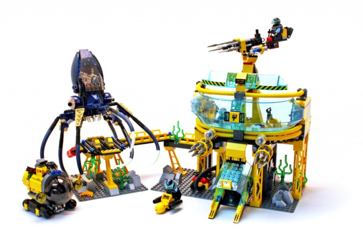 LEGO Aqua Raiders Aquabase Invasion 7775 Assembled