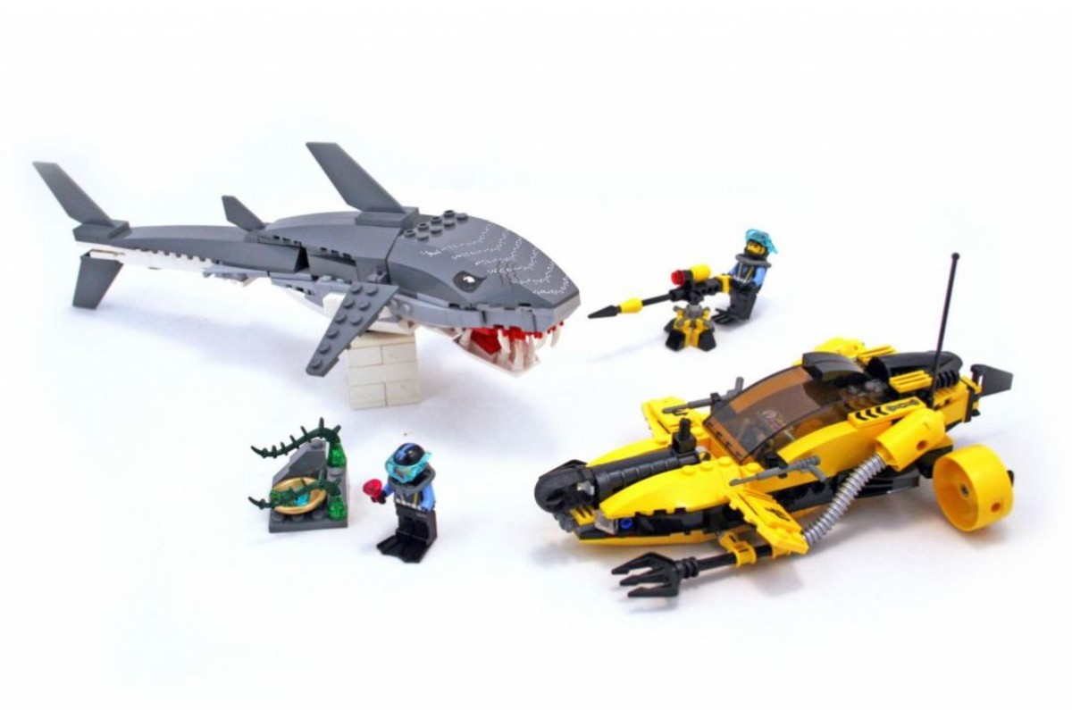 LEGO Aqua Raiders Tiger Shark Attack 7773 Assembled