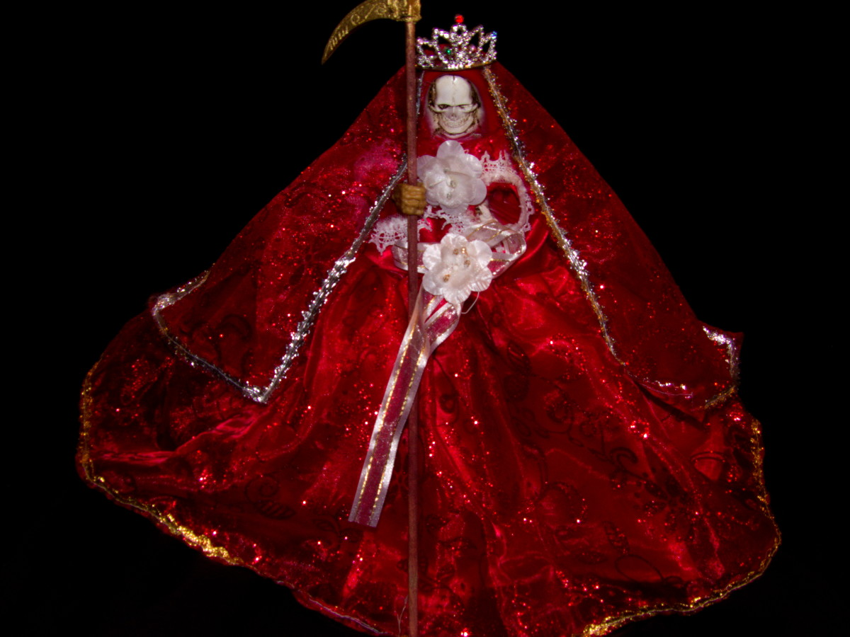 Working With La Santisima Muerte Roja