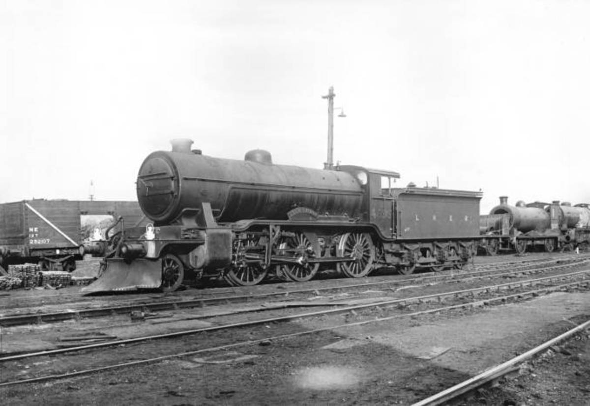 Great Northern Railway 2-6-0 with snow plough attached under the buffer beam - hard winter weather could strike anywhere between the Home Counties and Doncaster on the GN main line or out in Lincolnshire between the Fens and the Humber