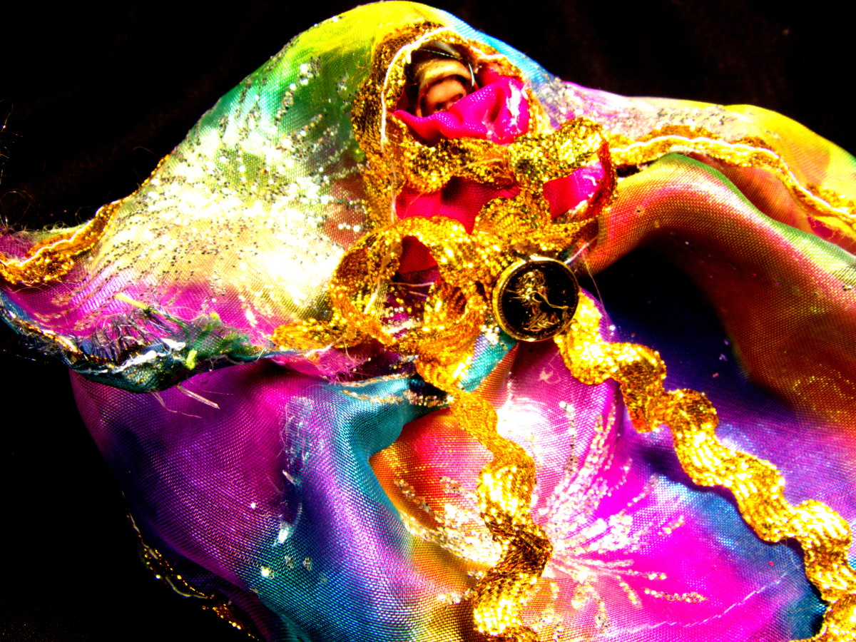 A bride of many colors, she can indeed do anything she puts her mind to.